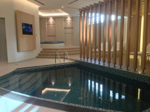 Aviation Club - plunge pools in the changing areas